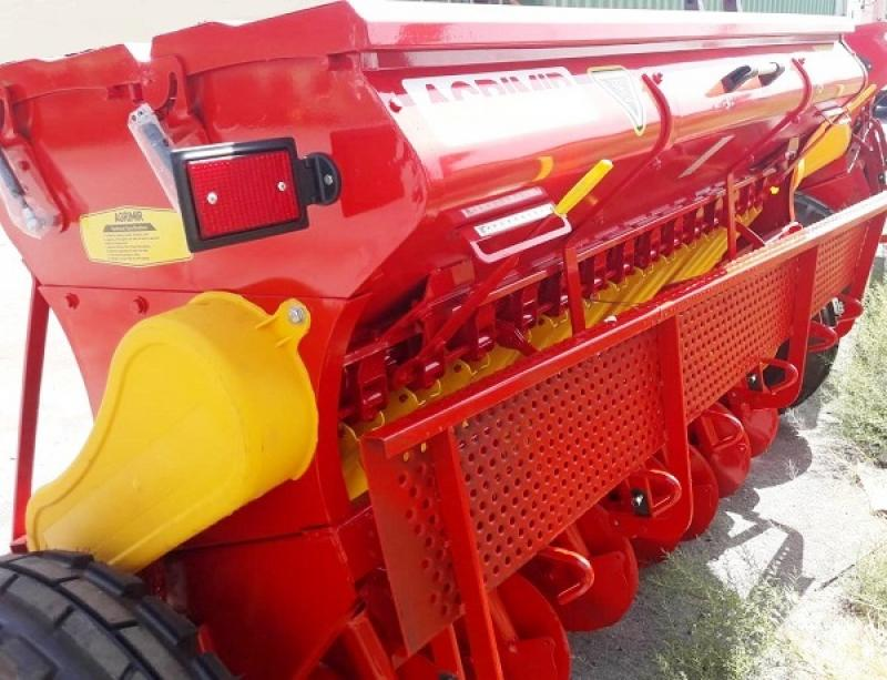 Combined Grain Seed Drill - Double Disc 6
