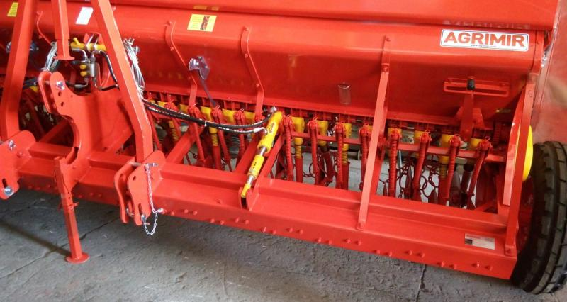 Combined Grain Seed Drill - Single Disc 0