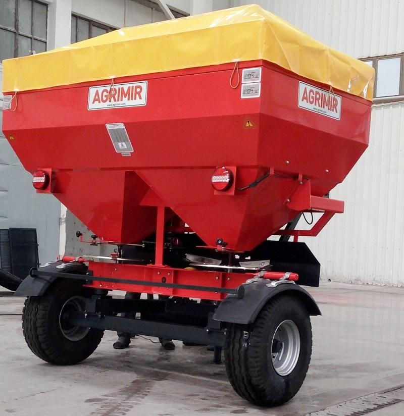 Trailed Fertilizer Spreader 1